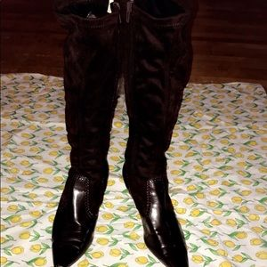 NEARLY NEW KNEE HIGH HEEL BOOTS SIZE 6.5